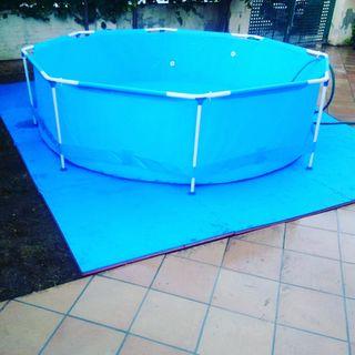 Nuevo a estrenar: suelo goma protector piscina