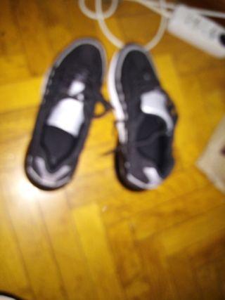 Vendo zapatos número 41 cómodos solo lo uso unos d