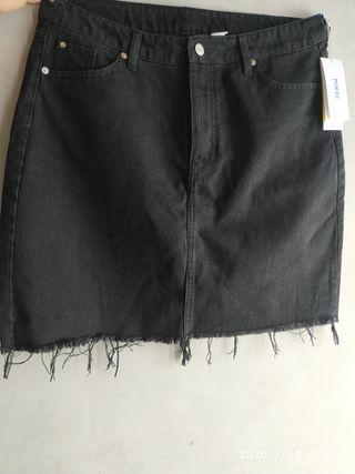 Falda tejana negra de H&M