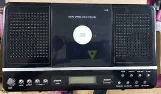 RADIO CON CD Y RADIO-DESPERTADOR