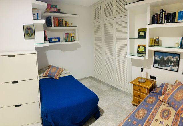 Casa en alquiler en Benajarafe frente a la playa (Benajarafe, Málaga)