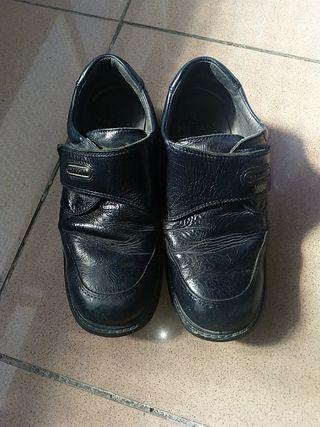 Zapatos escolares Pablosky