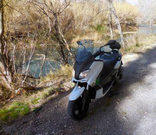 YAMAHA XMAX 250 - 2010