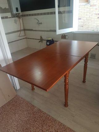 Mesa de pino barnizada extensible 90x90