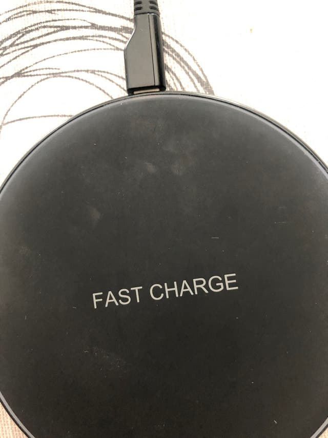 Cargador inhalambrico Fast Charge