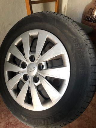 "Llantas Hyundai 15"" michelin"