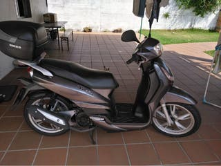 Motocicleta Peugeot tweet 125 cc