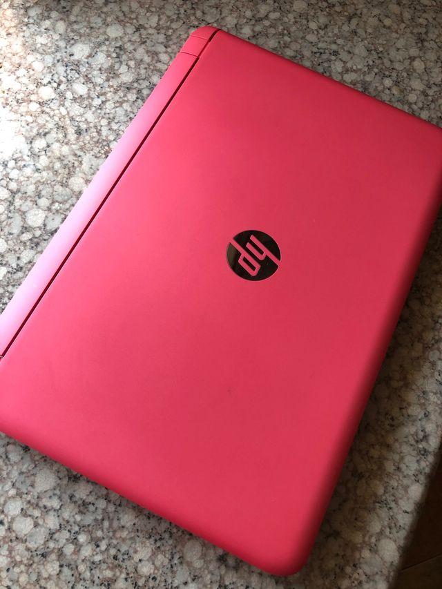 Ordenador HP pavilion rosa