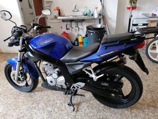 Daelim Roadwin Fi 125 Azul con baul shad
