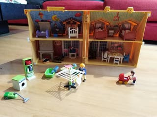 Casa maletín de muñecas Playmobil