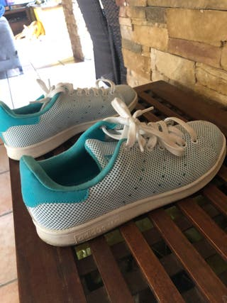 Zapatillas Adidas hombre, talla 40.