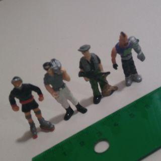 figuritas kinder action man mini muñecos doctor dr