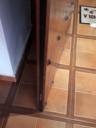 puerta de entrada de vivenda