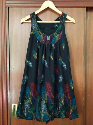 Vestido dibujo de plumas
