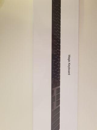 Apple Magic Keyboard + teclado numérico A ESTRENAR