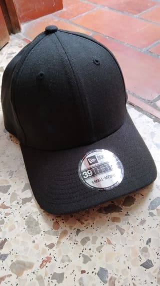 Gorra New Era 39 Thirty Negra