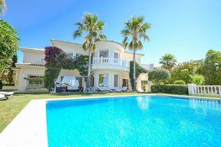 Villa en venta en Los Monteros - Bahía de Marbella en Marbella