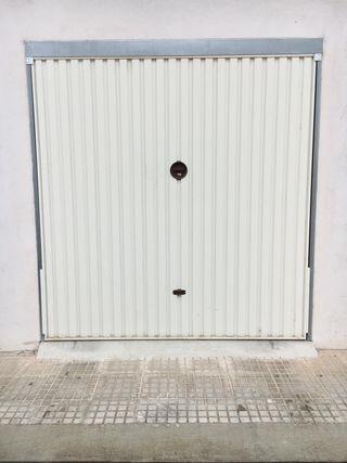 Puerta garaje seminueva