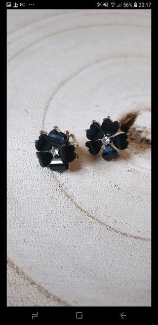 Pendientes flor negra pedreria