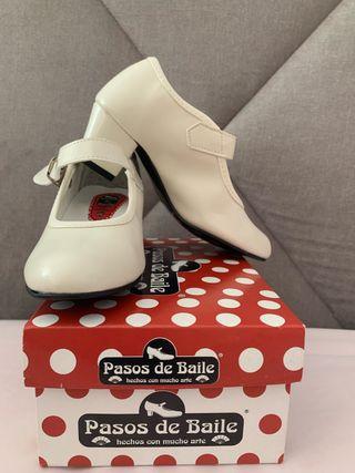 Zapatos de tacón niña feria