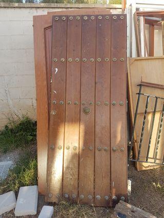 Vendo puerta de entrada blindada.