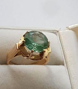anillo de oro 18kt y tópacio