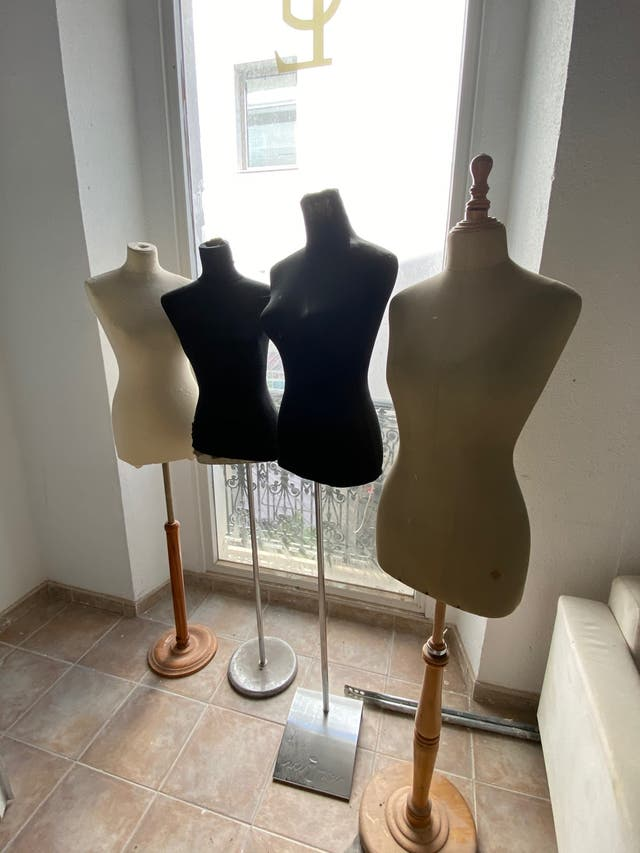Bustos Mujer 30€/4ud