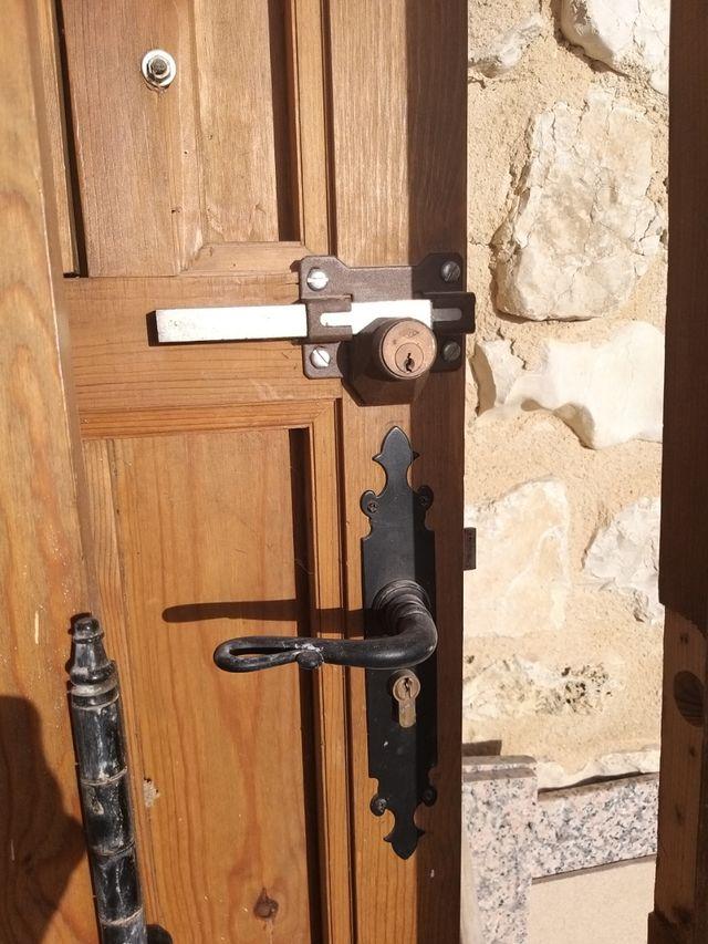 Puerta entrada doble