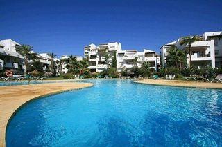 Villa en venta en El Padrón - El Velerín - Voladilla en Estepona