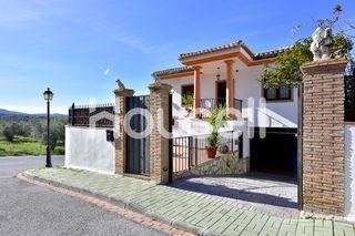 Chalet en venta de 200m² en Calle Gabriel García M
