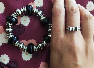 nuevo. pulsera y anillo