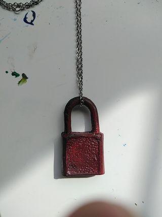 dark red key lock