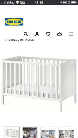 Cuna + colchón cama Ikea Sundvik blanca + juguetes