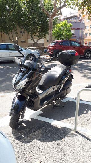 Yamaha xmax 250 injección