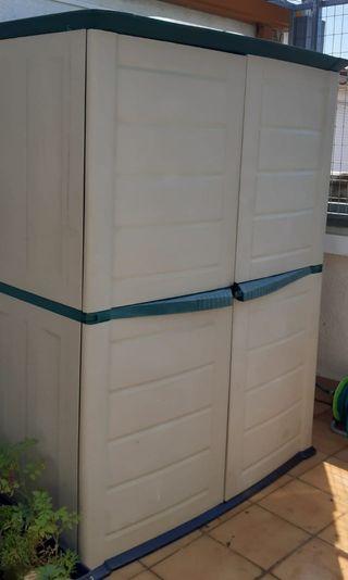 Se vende gran armario de exterior