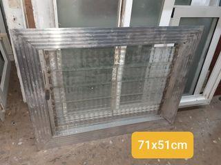 Ventana 71x51cm