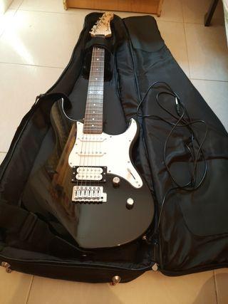 Guitarra eléctrica pacífica Yamaha + amplificador