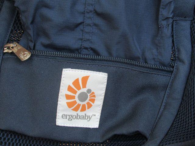 Mochila portabebes ERGOBABY fresh adapt