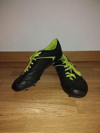 Botas de fútbol nuevas!