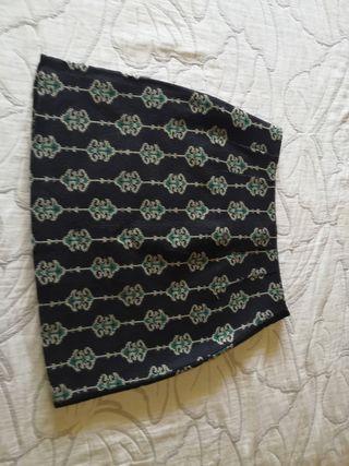 Falda azul marino con estampado verde