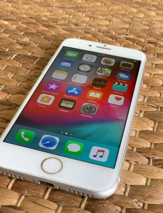 Se vende IPhone 7 - 32Gb plata