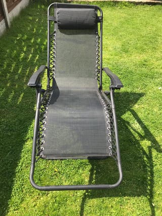 2 black reclining sun loungers ( open to offers)