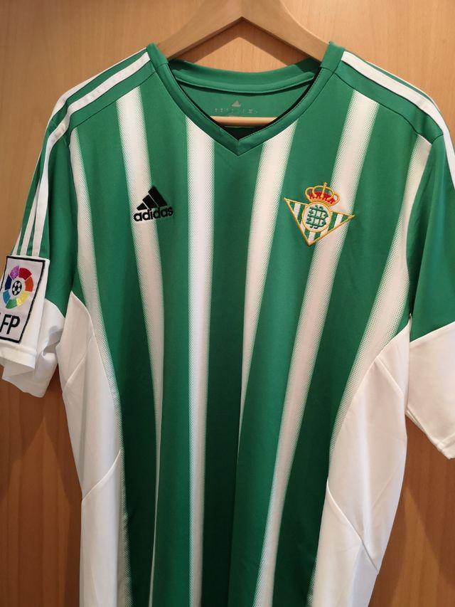 inalámbrico Proponer manipular  Camiseta Real betis adidas de segunda mano por 25 € en Sevilla en WALLAPOP