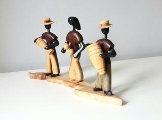 Músicos en madera