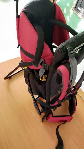 Mochilla Deuter porta bebés de montaña