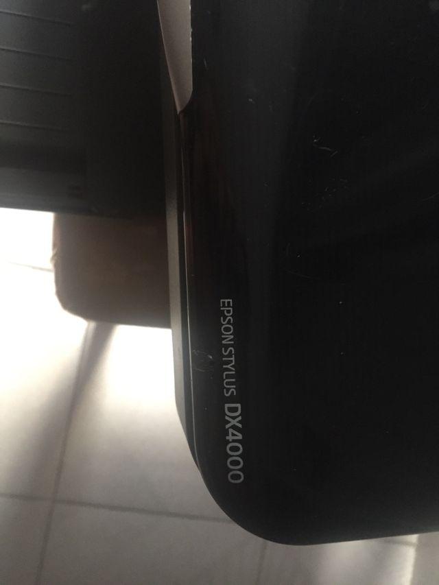 Se vende impresora escáner Epson D X 4000