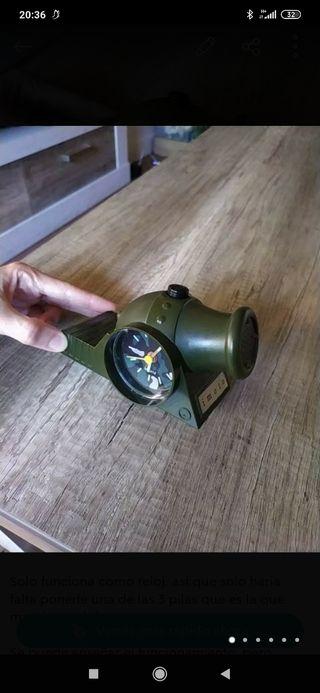 reloj despertador cañon militar