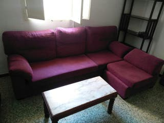 sofá de tres plazas con chaiselonge
