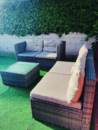 Conjunto de jardín o patio exterior (mesa, sofas..