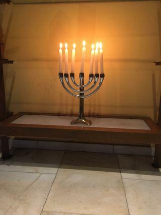 Candelabro típico judío sin usar